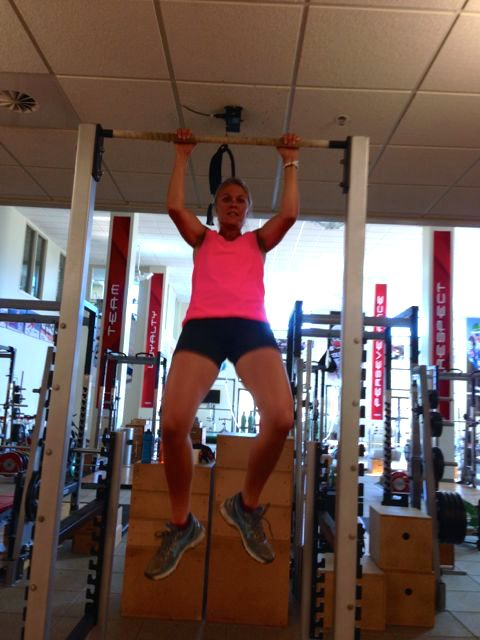 Sadie getting after it on the pull-up bar! © Kikkan Randall