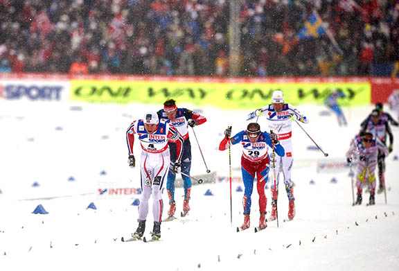 Northug ahead of Bauer, Olsson and Vylegzhanin with Harvey just behind [P] Nordic Focus
