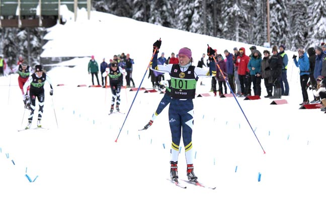 Macissac-Jones wins the Senior Women's Sprint [P] Julie Melanson