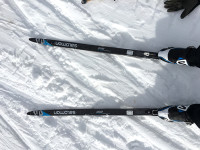 Ski test: Prolink boot and binding on left foot, SNS on the right [P] Katy Demong