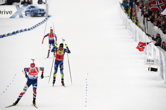 Martin Fourcade (FRA), Johannes Thingnes Boe (NOR) heading to the finish. [P] Nordic Focus