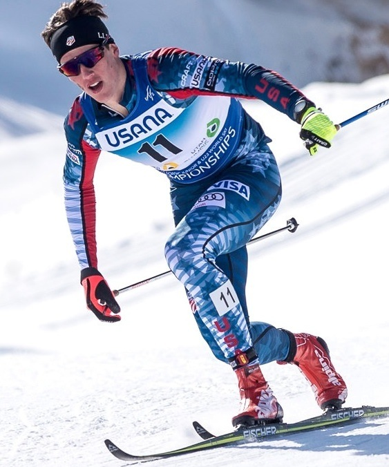 Harmeyer broke a pole and answered with a telemark turn in front of the US coaches on the way back into the stadium. [P] flyingpointroad.com