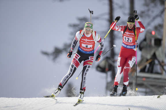 Lisa Theresa Hauser (f) and Rosanna Crawford - single mixed relay [P] Nordic Focus